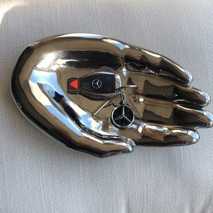 FANTASTIC CERAMIC HAND DISH CATCH ALL